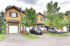 SUMMER – BOREALIS | Well designed towhouse for rent in Mont-Tremblant